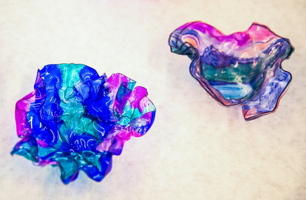 8th grade art: Dale Chihuly style bowls in various colors and patterns