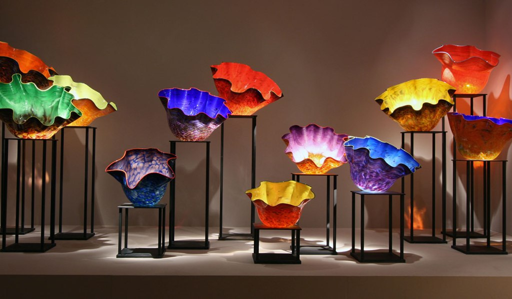 The colorful glass bowls of Dale Chihuly