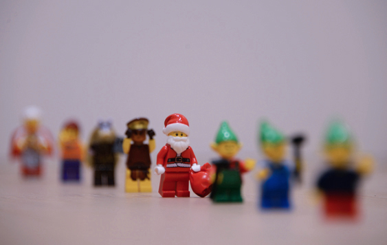 8th grade student image of Lego figurines using aperture manipulation to express a shallow depth-of-field